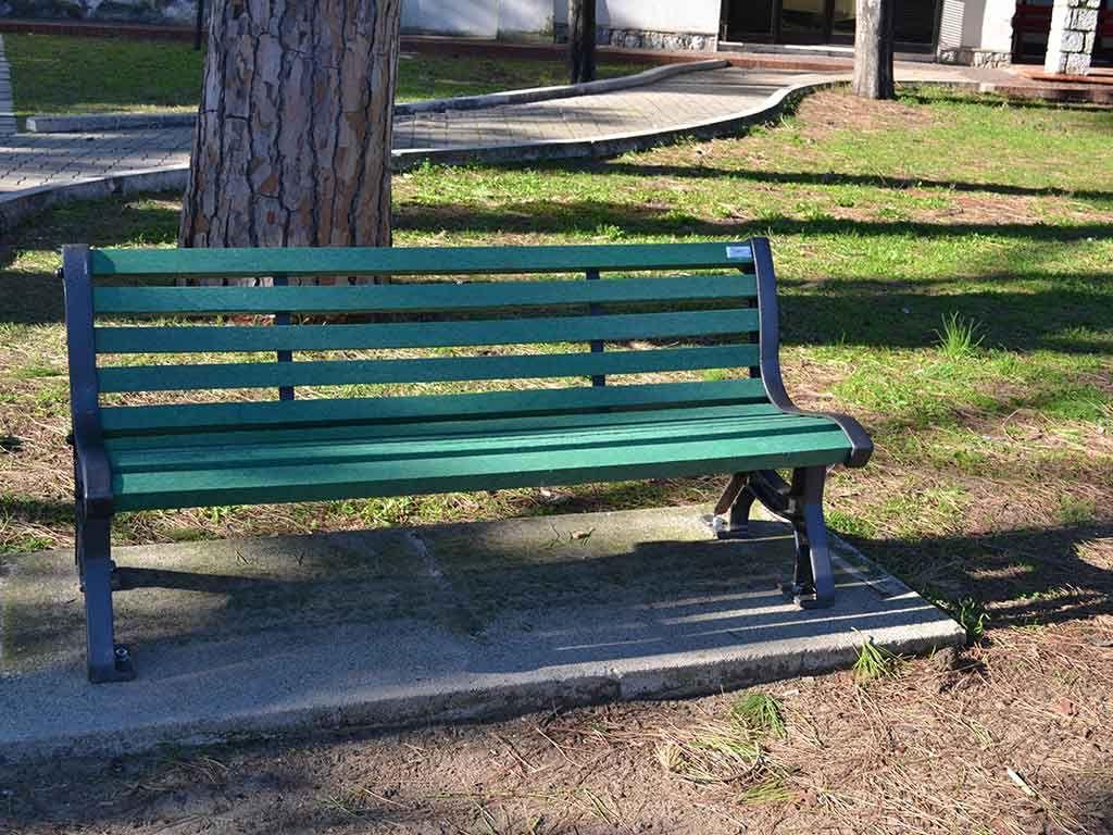 Panchina ECO in Strongplast, installata presso il Comune di Terracina