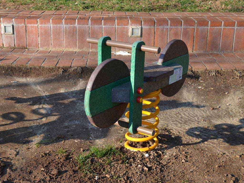 Moto bici a molla in STRONGPLAST - plastica riciclata post consumo