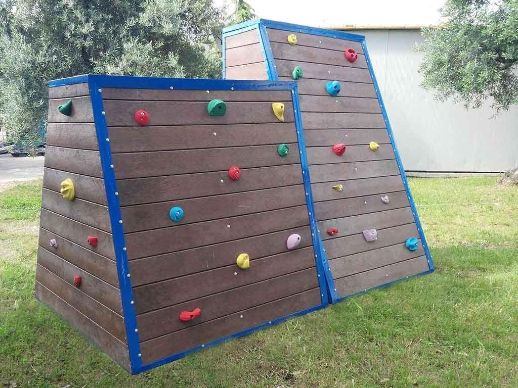 Climbing in STRONGPLAST - plastica riciclata post consumo