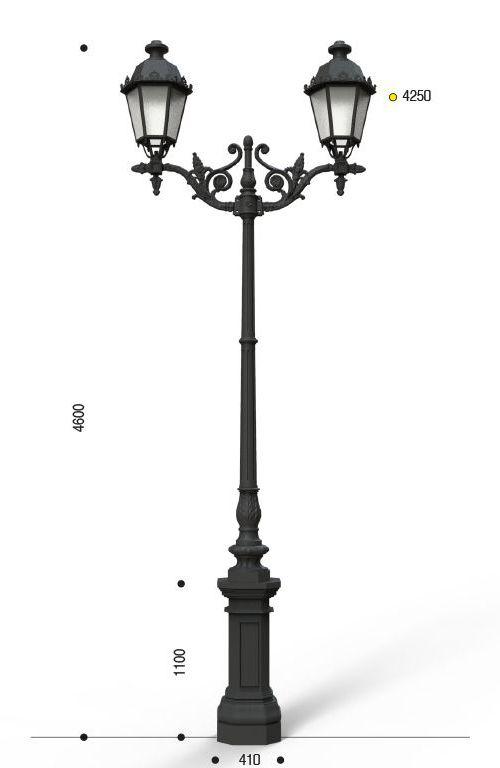 Palo in ghisa tipo Malta con anima in acciaio base 130 cima doppia 406 e due lanterne 605