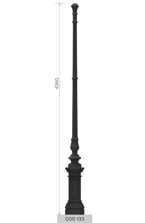 UNI EN 1561 GJL250 cast iron pole with large octagonal base.
