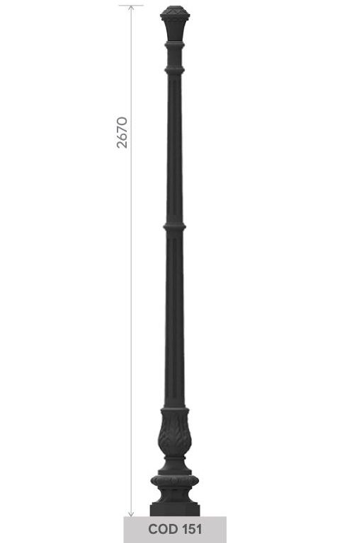 UNI EN 1561 GJL250 cast iron pole with small octagonal base.