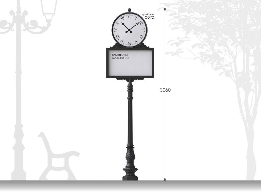 Orologio stradale artistico in ghisa H 3060 con pannello informativo - installazione su base rialzata