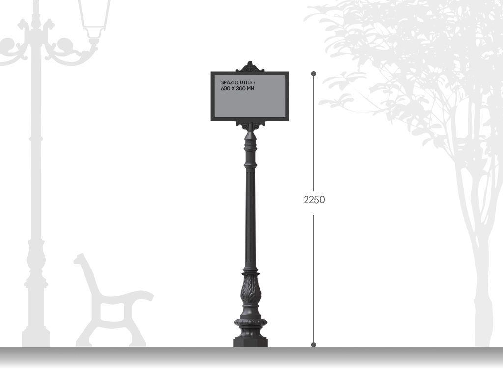 Palina segnaletica in ghisa per affissioni H 2250 - installazione su base rialzata
