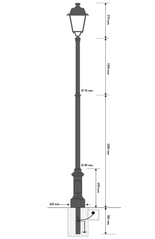 Palo in ghisa e acciaio con base 307 con lanterna a portata LED cod. 604002