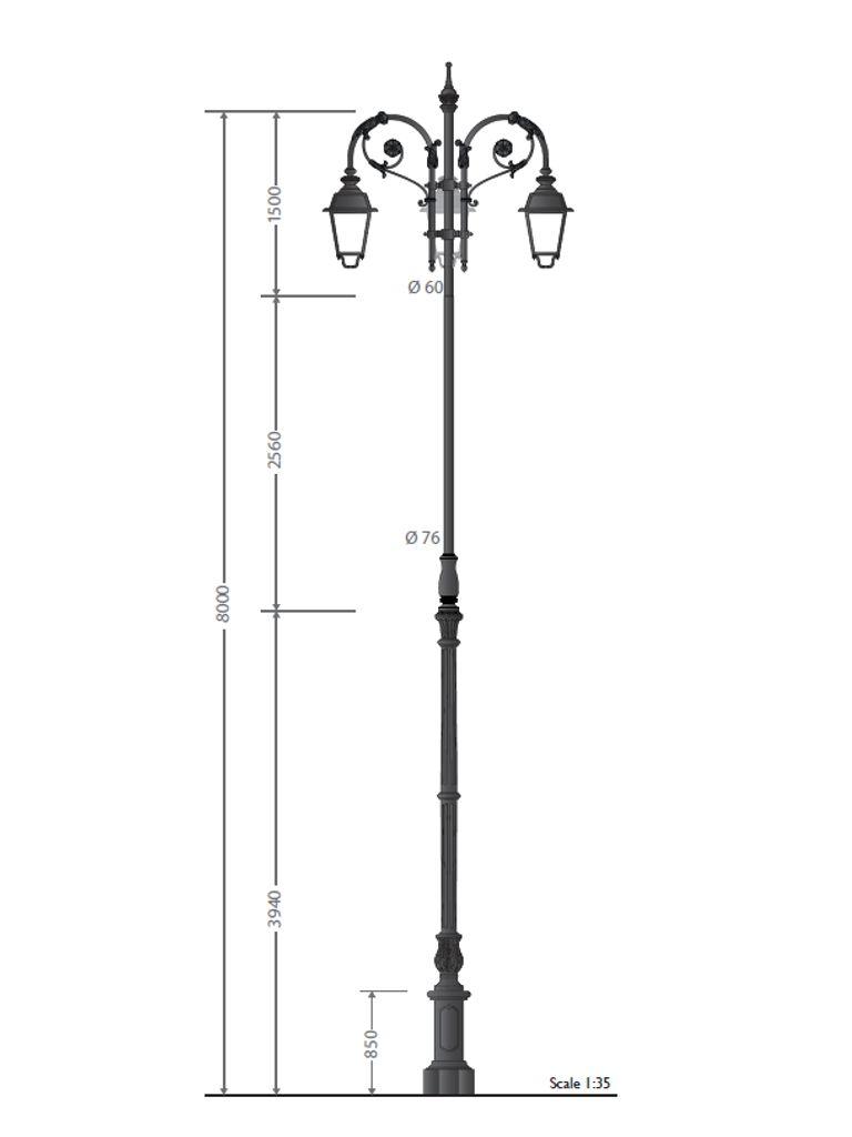 Palo in ghisa grandissimo con base tipo 090 e finale a pastorale Bernini triplo con tre lanterna 622 led, altezza totale 8 metri