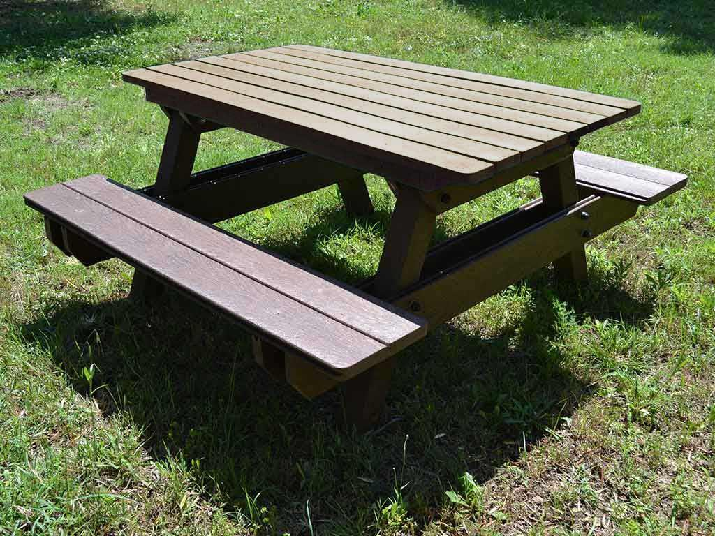 Panca da picnic versione standard in strongplast plastica for Panchine in plastica riciclata