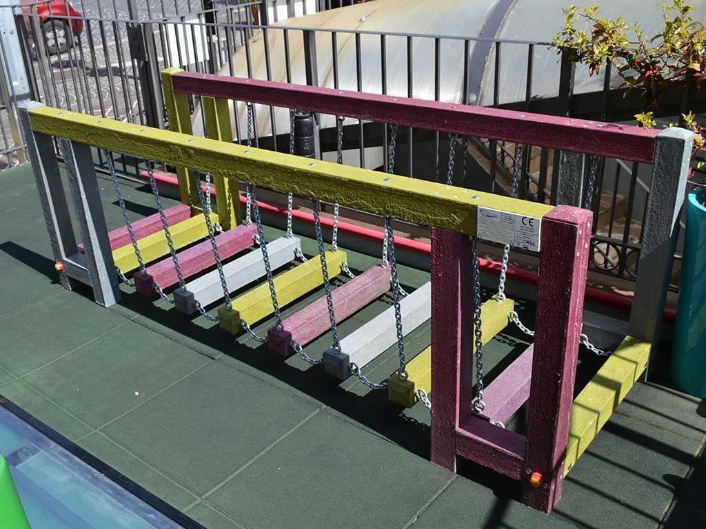 Ponte mobile con pioli in STRONGPLAST - plastica riciclata post consumo